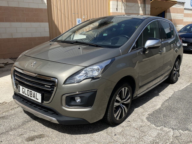Peugeot 3008 2.0 Hdi 4X4 4 Half Automatic Diesel-Electric hybrid Photo